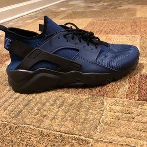Brand New Nike Huarache Size 13